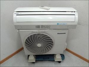 B '11年製 Panasonic ルームエアコン 6畳用 CS-221CFR-W